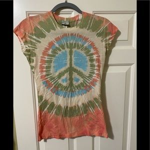 Rock & Roll hall of fame peace shirt M